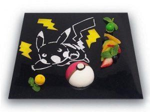 Poké Ball alla mousse di yogurt e lampone, al prezzo di 880 yen (circa 8 euro).