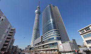 Veduta del centro commerciale SkyTree Town di Tokyo.