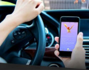 Sempre più persone giocano a Pokémon GO alla guida!
