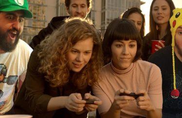 Karen, la ragazza del primissimo spot di Nintendo Switch, sbarca su Instagram