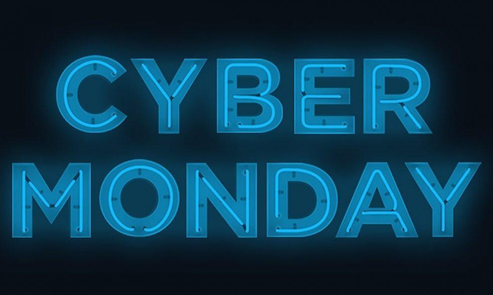 Arriva il Cyber Monday su E-Napolistore: ancora sconti sui prodotti del Napoli!