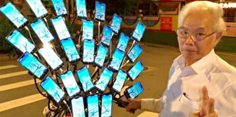 Il pensionato giocatore di Pokémon GO si evolve con 30 smartphone!