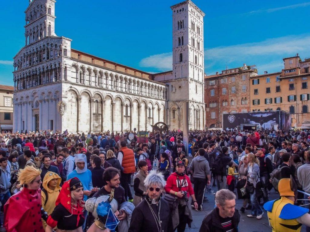 Piazza S. Michele a Lucca durante il festival