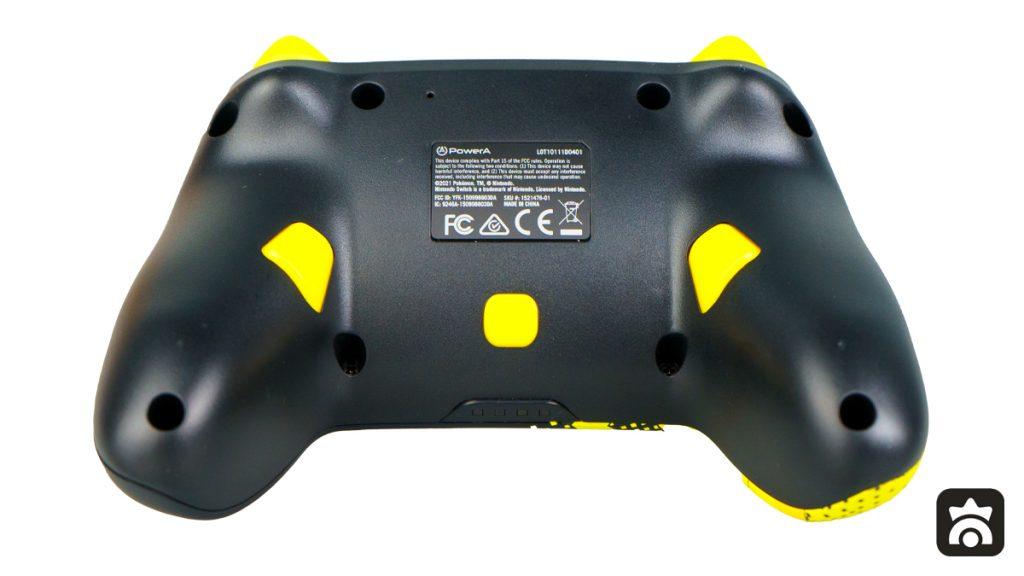 Controller Avanzato Pikachu 025 di PowerA, retro con dettaglio dei tasti mappabili