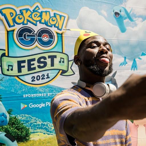 Pokémon GO Fest 2021 selfie